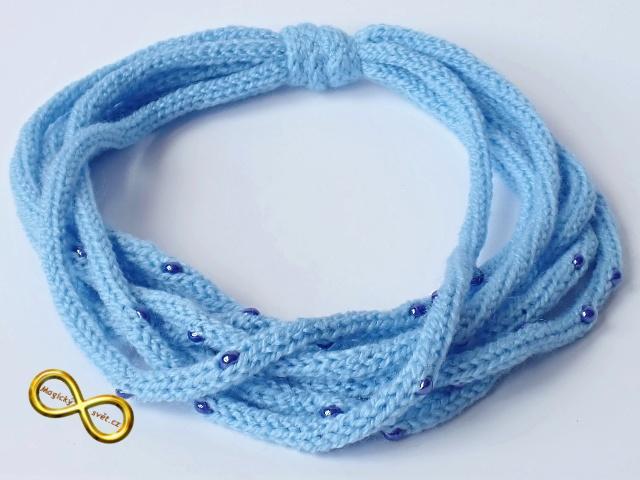 d067e159e2f Náhrdelník pletený modrý s korálky